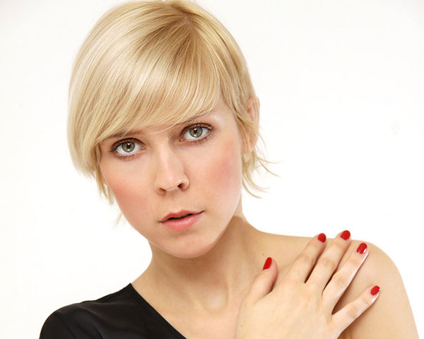 10 Short Haircuts For Oval Faces | Learn Haircuts