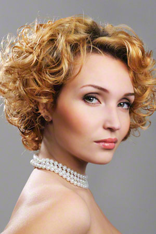 16 Short Curly Haircuts   Learn Haircuts