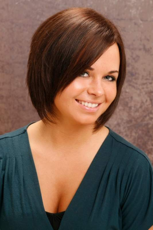 12 short haircuts for round faces  learn haircuts