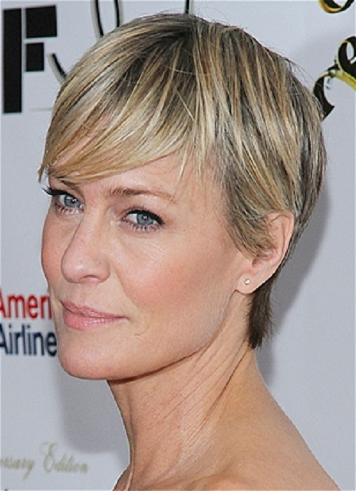 14 Short Haircuts for Older Women   Learn Haircuts