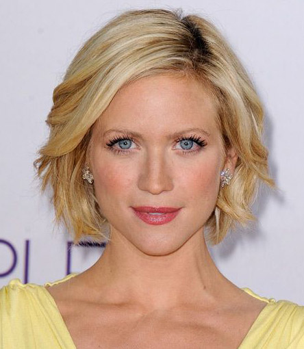 13 Medium Short Haircuts | Learn Haircuts